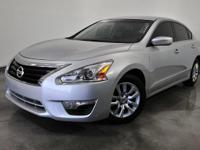 CARFAX One-Owner. Clean CARFAX. Silver 2016 Nissan