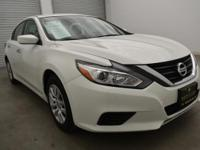 EPA 39 MPG Hwy/27 MPG City! CARFAX 1-Owner. Pearl White