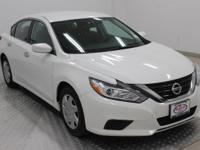 Options:  2016 Nissan Altima 2.5|Glacier White|Charcoal