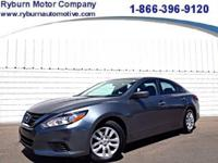 *Come take this ONE OWNER Nissan Altima for a spin