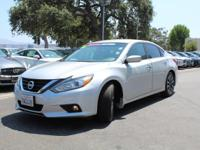 Options:  2016 Nissan Altima 4Dr Sdn I4 2.5 Sv|Front