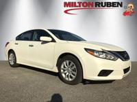 This 2016 Nissan Altima 4dr 4dr Sedan I4 2.5 S features