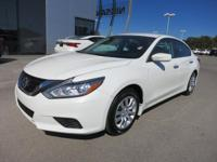 Options:  2016 Nissan Altima 2.5 S|***Model