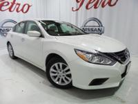 2016 Nissan AltimaCARFAX One-Owner. Clean CARFAX.Power