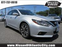 Come see this 2016 Nissan Altima 2.5 SR. Its Variable