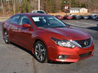 New Price! CARFAX One-Owner. Clean CARFAX. 2016 Nissan