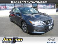 ONE OWNER, NON-SMOKER, Altima 2.5 SV, 4D Sedan, ABS