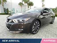 Dual Moonroof,Navigation System,Keyless Start,Bluetooth