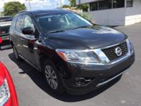 2016 Nissan Pathfinder ** S Package ** Cloth deluxe