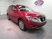 2016 Nissan Pathfinder ** 4WD ** S Package ** Cloth
