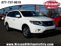 Come see this 2016 Nissan Pathfinder S. Its Variable