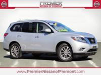 Clean CARFAX. 2016 Nissan Pathfinder SV FWD CVT with