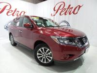 2016 Nissan PathfinderCARFAX One-Owner. Clean CARFAX.18