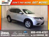 2016 Nissan Rogue SV AWD CARFAX One-Owner. Back Up