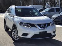 2016 Nissan Rogue SV Pearl White Rear Back Up Camera,