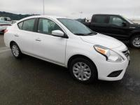 FUEL EFFICIENT 40 MPG Hwy/31 MPG City! CD Player,