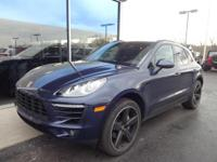 Macan S. BOSE Surround Sound System and Navigation