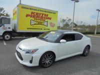 Exhaust tip color: chrome, Front bumper color: