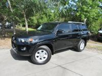 This 2016 Toyota 4Runner 4dr RWD 4dr V6 SR5 features a