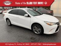 Super White 2016 Toyota Camry SE FWD 6-Speed Automatic