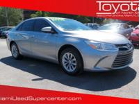 Options:  2016 Toyota Camry Le|Silver/Ash|V4 2.5 L