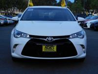 Options:  2016 Toyota Camry Se|White/Black|V4 2.5L