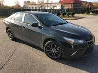 Midnight Black Metallic 2016 Toyota Camry XSE FWD