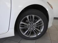 Certified. Super White 2016 Toyota Camry SE FWD 6-Speed