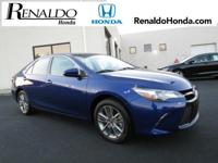 2016 Toyota Camry SE Blue Cloth.  CARFAX One-Owner.