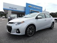 CARFAX One-Owner. Clean CARFAX. Silver 2016 Toyota