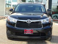 Options:  2016 Toyota Highlander Le|Midnight Black