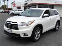 Options:  2016 Toyota Highlander Le Plus Awd|This