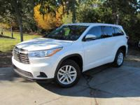 Options:  2016 Toyota Highlander Le|This 2016 Toyota