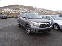 GPS Nav! AWD! This attractive 2016 Toyota Highlander is