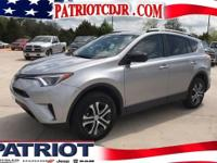 Options:  2016 Toyota Rav4 Le|Awd And Cloth. Heads Up
