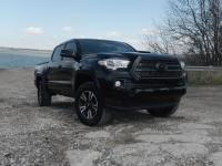 2016 Toyota Tacoma Crew Cab TRD Sport 4x4. The vehicle