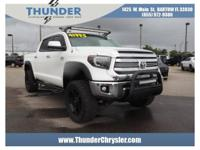 2016 Toyota Tundra White CrewMax 5.7L 8-Cylinder