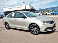 Recent Arrival!  This Jetta SE has it all|Backup