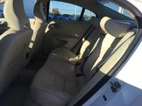 Bluetooth.. AWD.. Heated Front Seats.. Leather Seating