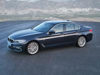 This 2017 BMW 5 Series comes with 8-Speed Automatic,