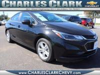 This 2017 Chevrolet Cruze LT Auto boasts features like