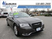 HEATED SEATS, BACKUP CAMERA, AWD! This 2017 Chrysler