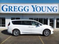 White 2017 Chrysler Pacifica Limited FWD 9-Speed