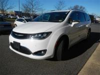 2017 Chrysler Pacifica Limited in Bright White