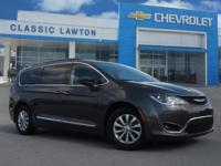 New Price! CARFAX One-Owner. Granite 2017 Chrysler