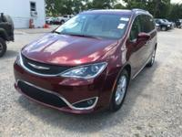 FUEL EFFICIENT 28 MPG Hwy/18 MPG City! 3rd Row Seat,