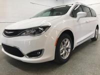 Options:  2017 Chrysler Pacifica Touring L|White|2017