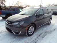 This is a ONE OWNER 2017 Chrysler Pacifica L package
