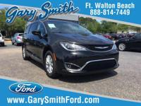 Options:  2017 Chrysler Pacifica Touring-L|One Owner