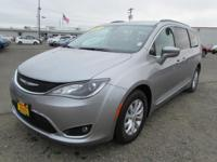 CARFAX 1-Owner. FUEL EFFICIENT 28 MPG Hwy/18 MPG City!